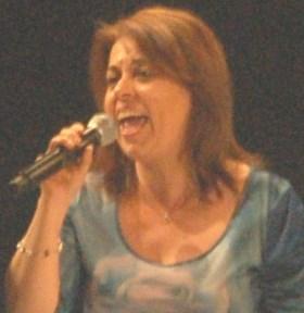 """Festival di Sanremo / Lilla Costarelli, undici anni da corista: """"Un evento per professionisti, ma l'emozione non risparmia nessuno"""""""