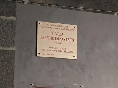 Acireale / Adesso c'è piazza Peppino Impastato, una precisa scelta di legalità da parte del Comune