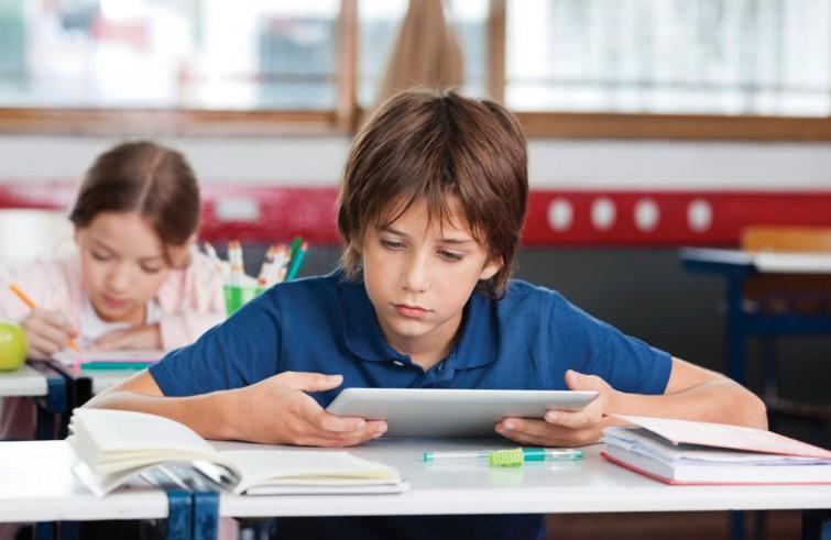 """Scuola / Digitale: ancora molto da fare. Digitalizzati """"in parte"""" il 75% degli istituti scolastici della penisola"""