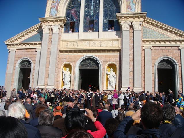 Ordinazione di Mons. Giombanco – 1 / A Tindari la solenne cerimonia e l'insediamento come Vescovo di Patti. Ricco di gesti simbolici il rito di consacrazione