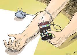 Nomofobia / Scatta il panico senza smartphone. Una eccessiva dipendenza dai social network può danneggiare i rapporti interpersonali