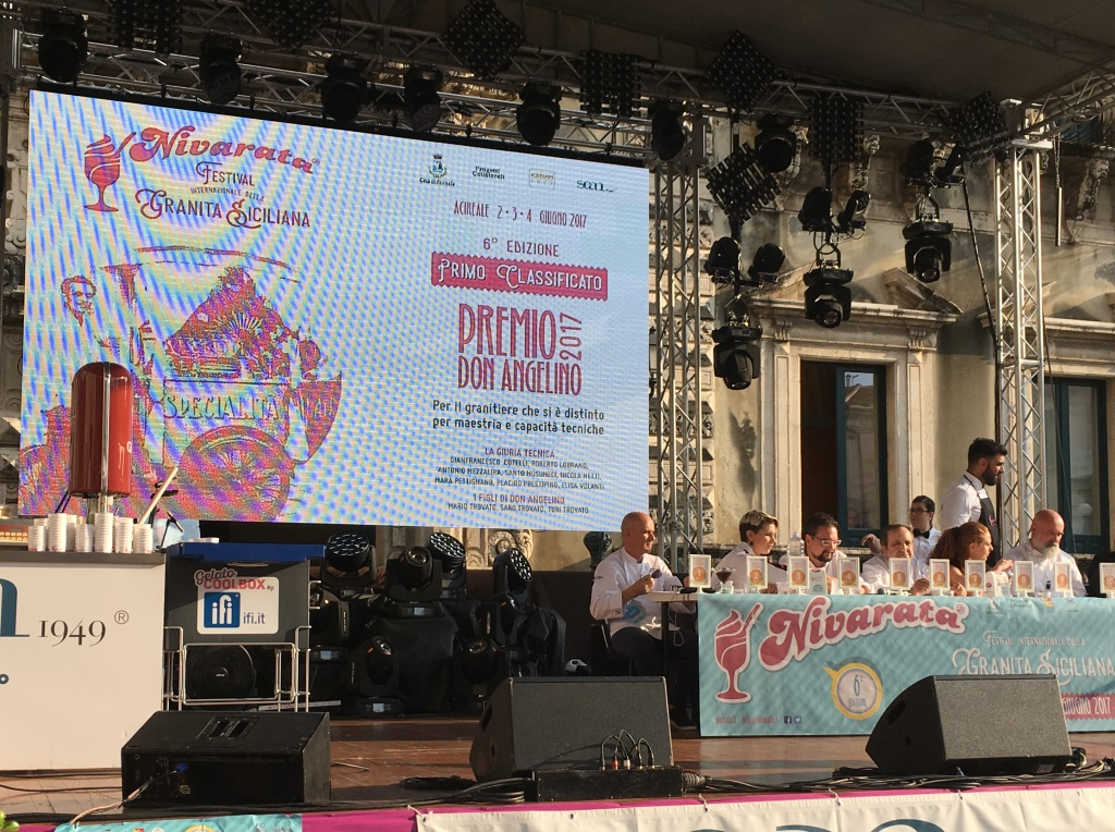 Nivarata 2017 – 4 / Il festival della granita siciliana entra nel vivo con i concorsi e le degustazioni. Domenica 4 la chiusura