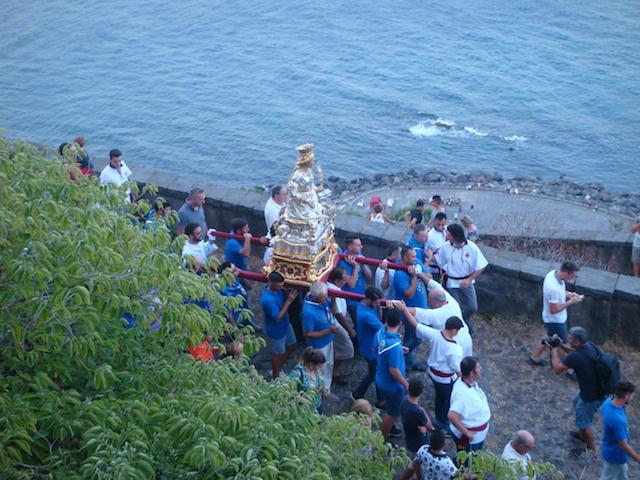 Festa di Santa Venera / Il busto della Patrona a Santa Maria La Scala attraverso le Chiazzette, un percorso di devozione, fede e sacrificio