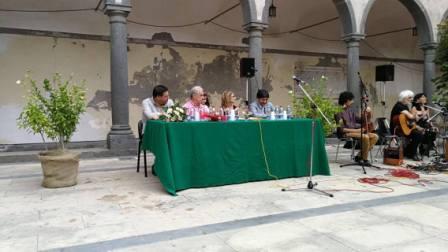 """Libri / """"Due così"""", terza raccolta di poesie di Alessandra Distefano presentata a Randazzo. I suoi versi ricordano quelli di Maria Cumani"""