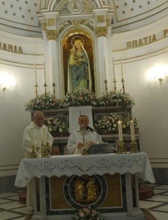 """Mompileri / Oggi in Santuario la Messa di affidamento a Maria. Don Alfio Privitera: """"Chiediamo alla Vergine di aiutarci a tenere presente il nostro poco"""""""