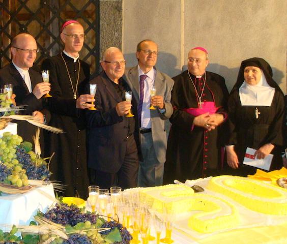Otium et negotium 27 / Padre Russo, un prete con cui confessarsi?