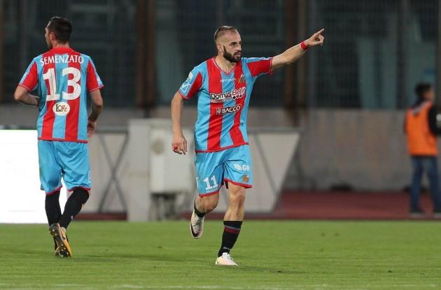 Calcio Catania / Solo un pari tra le mura amiche contro il Matera, in rete Curiale.