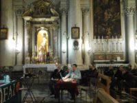 Tempo di Quaresima / Acireale, tra la basilica di San Pietro e la chiesa del Ss. Salvatore: quell'accompagnamento privato del Cristo morto che si fa processione