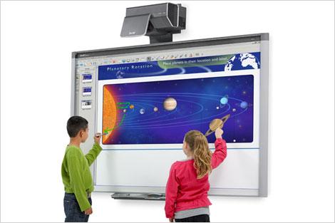 """Ricerca / Più tecnologia e una prospettiva internazionale. I genitori italiani vogliono una scuola sempre più """"smart"""""""
