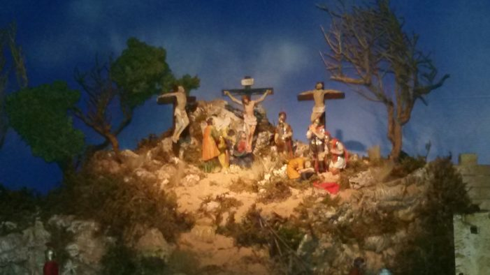 Giarre / Ecce Homo di Dario Borzì, il presepe pasquale con più di 100 personaggi