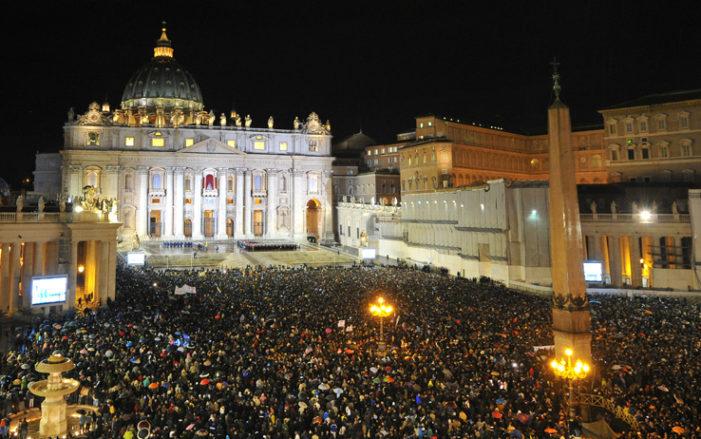 Anniversario / Cinque anni fa l'elezione di Papa Bergoglio: gesti, momenti e parole di Francesco