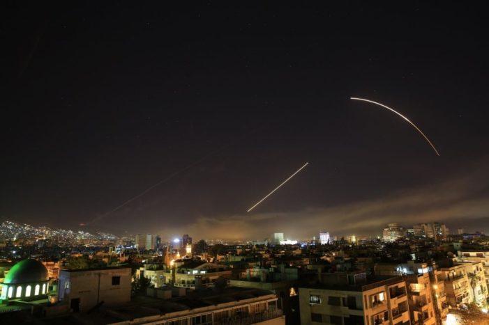 Attacco in Siria 1/ Attacco nel cuore della notte. Alleati: pronte ulteriori azioni. Mosca: possibili conseguenze
