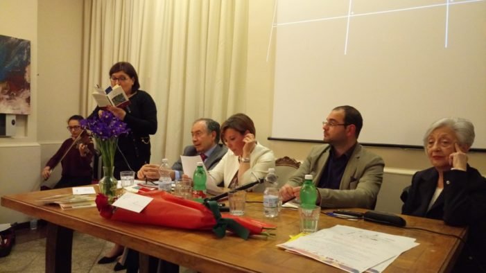 "Libri / ""Iris blu"" di Carmela Tuccari: storie umane nelle quali immedesimarsi"