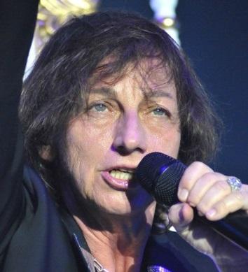 Concerti – Gianna Nannini ad Acireale 1 / Costretta a esibirsi seduta, la rockstar infiamma ugualmente i fans ad Acireale