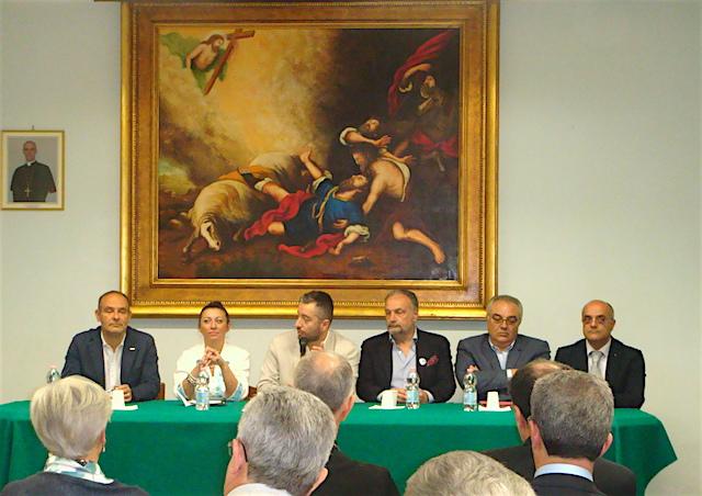 Acireale / Il dibattito promosso dal Vescovo: i candidati sindaco si confrontano sulle varie problematiche della vita cittadina