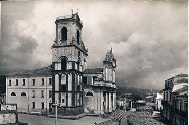"""Libri / """"All'ombra del campanile"""": atto d'amore di Alfio Seminara verso la sua Aci San Filippo"""
