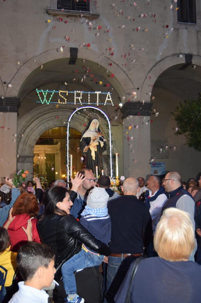 """Valverde / Numerosi fedeli alla festa di S. Rita in Santuario.Padre Nei: """"Seguendo il suo esempio impariamo a perdonare"""""""
