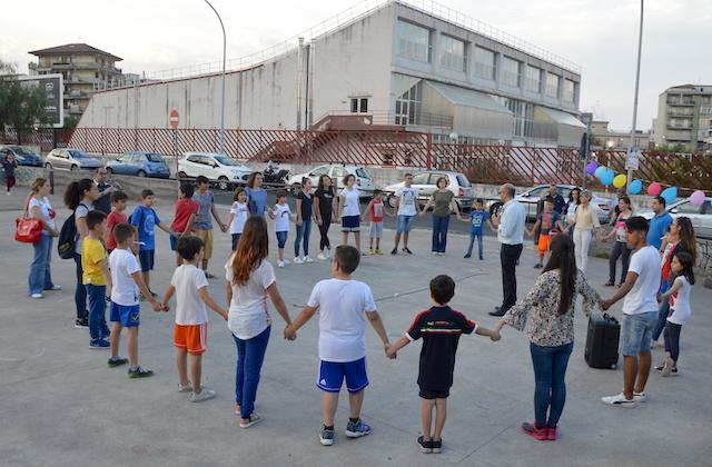 Area Com / La parrocchia SS.mo Salvatore di Acireale scende in strada per far conoscere Gesù a piccoli e grandi
