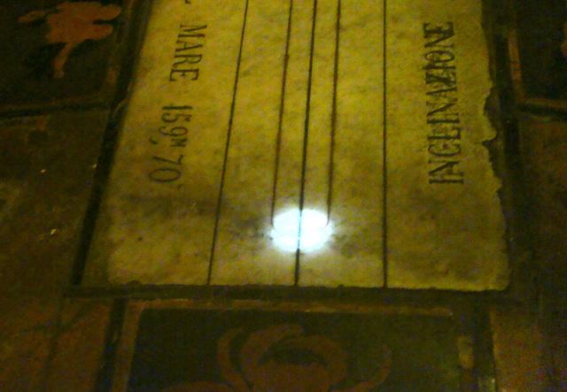 Solstizio d'estate 2 / Incerta fino all'ultimo l'osservazione sulla meridiana della Cattedrale, ma poi è andato tutto bene, anche in diretta web