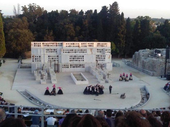 Teatro greco / Nei tragediografi classici riflessioni sull'umano capaci di sopravvivere ai secoli