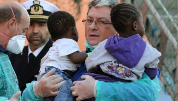 Migranti / Save the children avvia a Catania il primo servizio di orientamento sui diritti dei minori stranieri non accompagnati