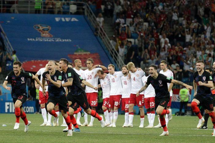 Calcio / Mondiali 2018: Subasic e Rakitic portano la Croazia ai quarti. Danimarca, ko con onore