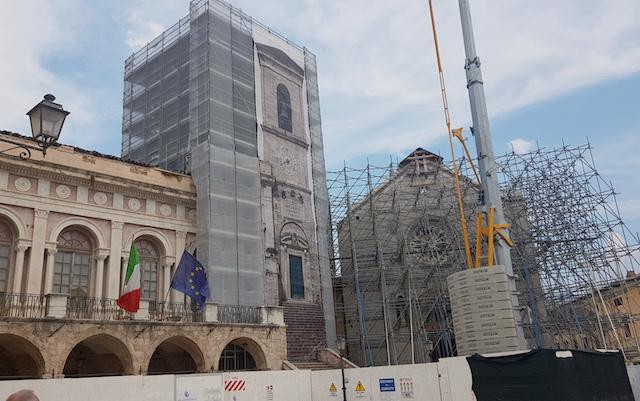 Norcia due anni dopo / Dal terremoto del 2016 il volto della città è ancora sfigurato, ma ci sono segni incoraggianti di ripresa