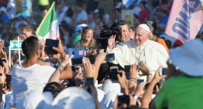 """Verso il Sinodo / Il Papa ai giovani: """"Non abbiamo paura"""", la vita è """"una corsa buona"""""""