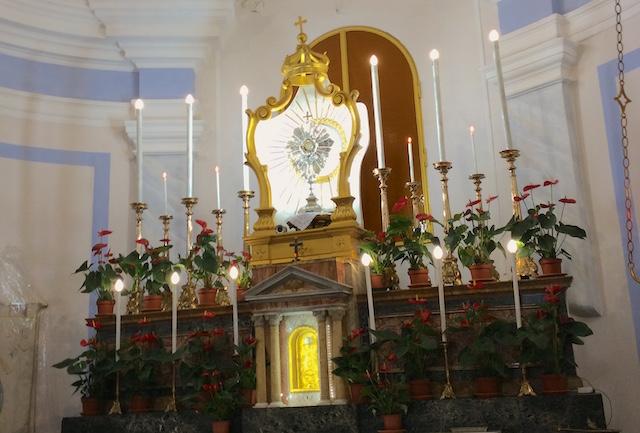 Otium et negotium 33 / La visita al Santissimo, un momento speciale di intimità possibile giorno e notte nella nostra città