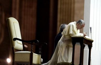 """Abusi sessuali / Il Papa scrive al Popolo di Dio: """"Le ferite non vanno prescritte"""""""
