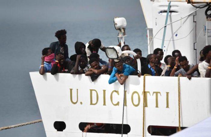 """Nave Diciotti 1 / Rozeri (Unicef): """"Trattenimento a bordo una tortura senza senso. Europa assuma impegni concreti"""""""