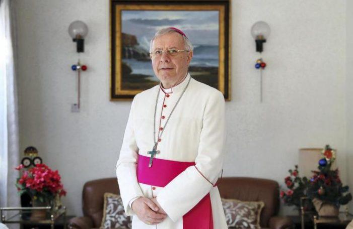"""Chiesa in Arabia Saudita / Mons. Hinder: """"Tutti i nostri fedeli sono stranieri e senza cittadinanza, siamo Chiesa pellegrina"""""""