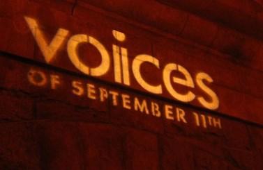 """Anniversario / A 17 anni dall'11 settembre. Le """"voci"""" di chi è sopravvissuto e di chi non ce l'ha fatta"""
