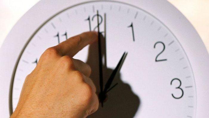 Sondaggio / Anche l'orologio divide l'Europa: pro e contro lo spostamento delle lancette