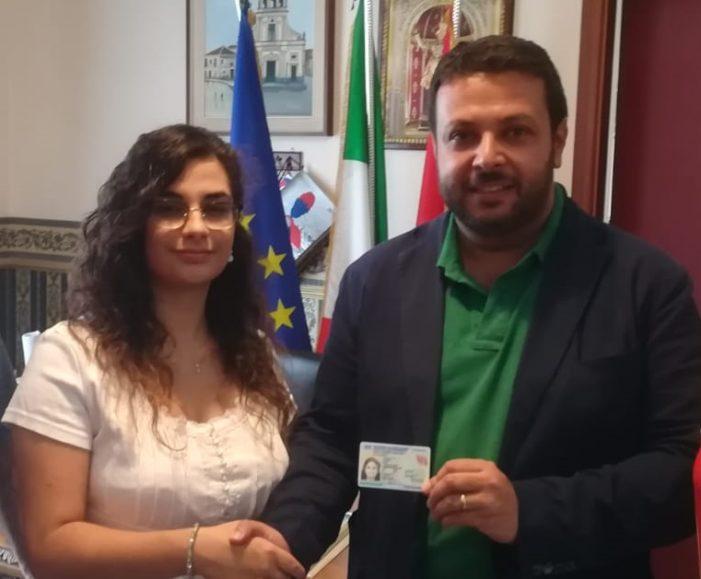Santa Venerina / Rilasciata dal Comune la prima carta d'identità elettronica