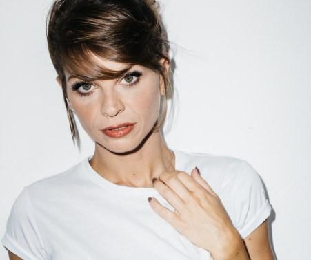 """Spettacoli / Fioccano le richieste per il """"10 tour"""" di Alessandra Amoroso. Acireale triplica le date"""