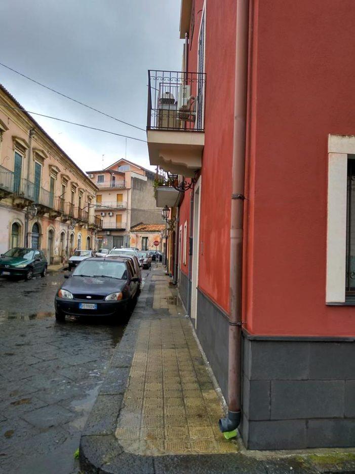 Acicatena / Nuova illuminazione nella strada che porta alla chiesa di san Giuseppe