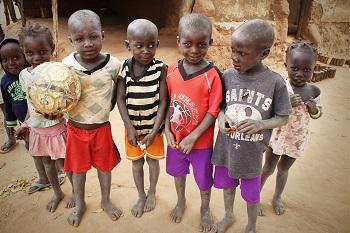 """Acireale / """"La nostra Africa – 20 anni di amicizia"""", mostra degli """"Amici delle missioni"""""""
