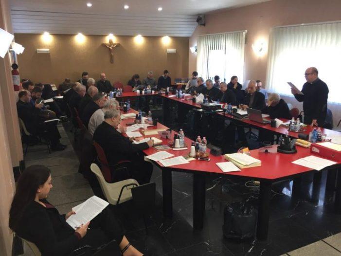Chiesa / Pastorale dei giovani, Tribunale ecclesiastico e solidarietà e aiuti per le comunità terremotate al centro della sessione invernale della Cesi