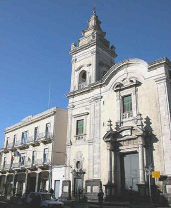 Sisma di Santo Stefano – 19 / Aci S. Antonio, chiusa la chiesa di S. Michele, mentre continuano le richieste di sopralluoghi