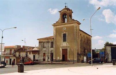 Sisma di Santo Stefano – 11 / Con ordinanza del sindaco di Aci S. Antonio, chiusa la chiesa di Lavinaio
