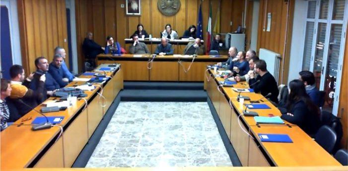 Sisma di Santo Stefano – 12 / Aci S. Antonio, consiglio comunale straordinario: il sindaco fa il punto sulla situazione di emergenza