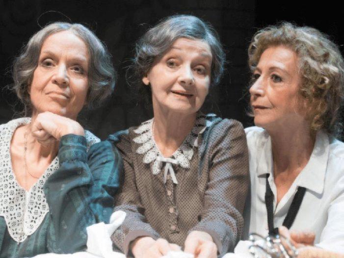 """Teatro / Allo """"Stabile"""" di Catania, Poli, Vukotic e Prati protagoniste in """"Sorelle Materassi"""" dal 22 gennaio."""