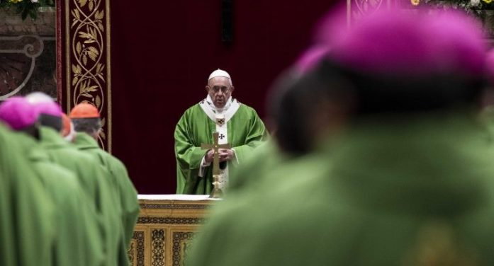 """Protezione dei minori / Papa Francesco: """"Ascoltare, tutelare, proteggere e curare i minori abusati, ovunque essi siano"""""""