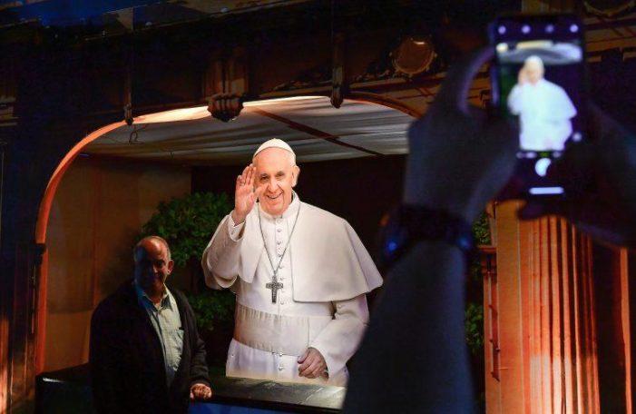 """Il viaggio / Papa negli Emirati Arabi Uniti. """"Abbiamo bisogno dell'arca della fratellanza"""""""