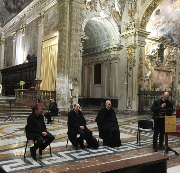 Acireale / Presentato in Cattedrale un utile sussidio per vivere bene la Quaresima