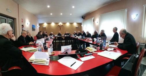 Stampa cattolica / I vescovi siciliani esaminano la crisi dei giornali diocesani