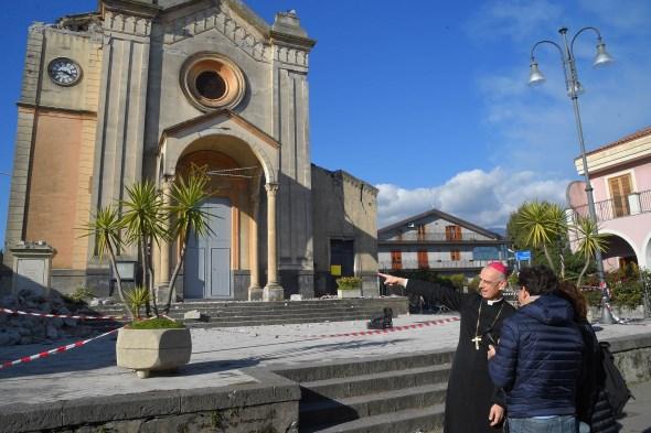 Diocesi / La Basilica di S. Sebastiano devolve 4300 euro per i fuochi non sparati alla parrocchia di Pennisi