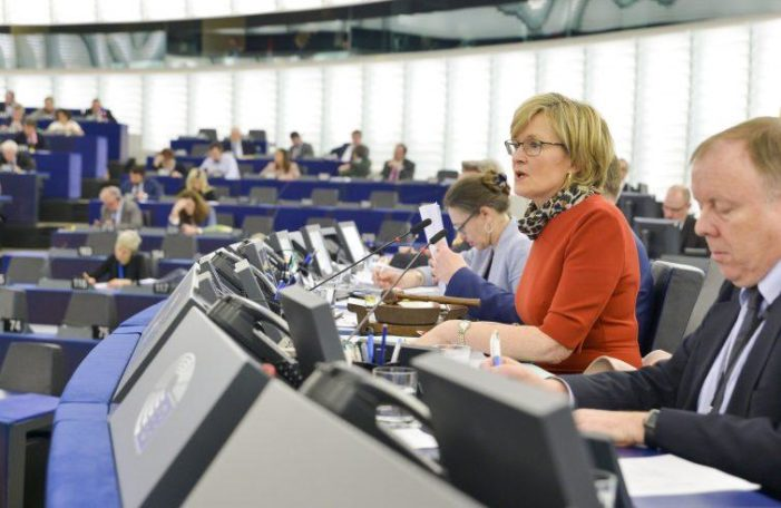 8 Marzo – 2 / Ancora lontana l'Europa al femminile. Poche donne nelle istituzioni politiche