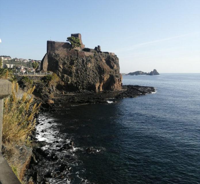 Aci Castello Castello normanno storia e origini